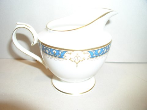Make sure your browser can show photos and reload this page to see Lenox China Whitley Manor Creamer