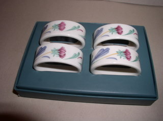 Make sure your browser can show photos and reload this page to see Lenox China Poppies On Blue Napkin ring-set of 4