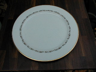Make sure your browser can show photos and reload this page to see Hutschenreuther China Minuet, The 8943 Dinner plate 10 5/8