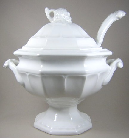 Make sure your browser can show photos and reload this page to see Red-Cliff China Grape [C2]  Soup tureen, lid and ladle