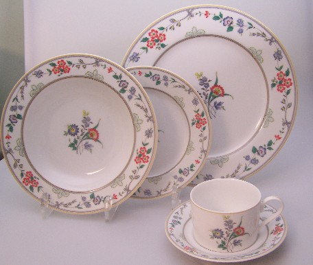 Make sure your browser can show photos and reload this page to see Oscar De La Renta China New Symphony L2081 Place setting 5-piece  dinner plate, salad plate, rim soup bowl, cup & saucer set