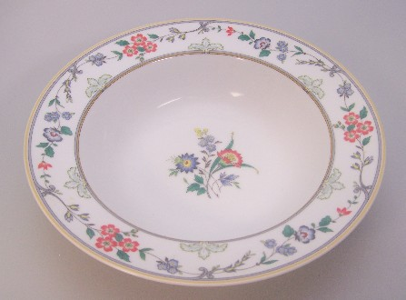 Make sure your browser can show photos and reload this page to see Oscar De La Renta China New Symphony L2081 Round vegetable  10 1/8