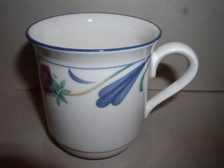 Make sure your browser can show photos and reload this page to see Lenox China Poppies On Blue Mug --3 3/4