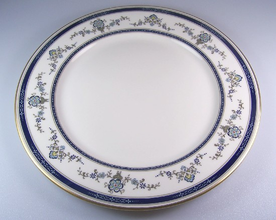 Make sure your browser can show photos and reload this page to see Gorham China Spring Laurel Dinner plate 10 5/8