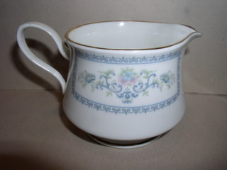 Make sure your browser can show photos and reload this page to see Oxford (Div Of Lenox) China Fontaine Creamer
