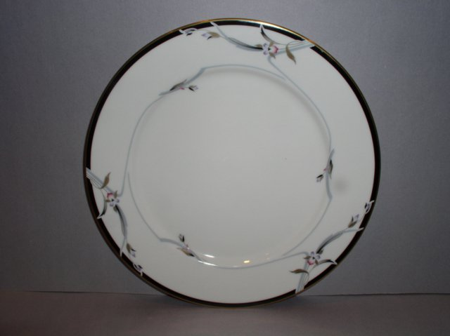 Make sure your browser can show photos and reload this page to see Gorham China Manhattan Bread and butter plate --6 1/2