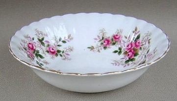 Make sure your browser can show photos and reload this page to see Royal Albert China Lavender Rose Fruit/dessert bowl 5 3/8'