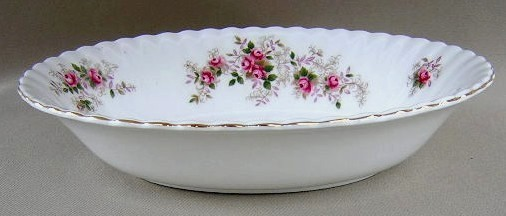 Make sure your browser can show photos and reload this page to see Royal Albert China Lavender Rose Oval vegetable 9 1/4
