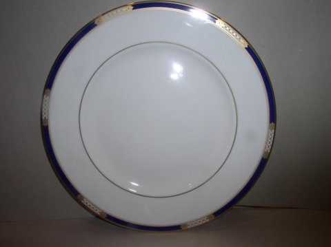 Make sure your browser can show photos and reload this page to see Lenox China Royal Treasure Bread and butter plate