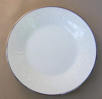 Make sure your browser can show photos and reload this page to see Noritake China Reina 6450q/64 Bread and butter plate 6 3/8