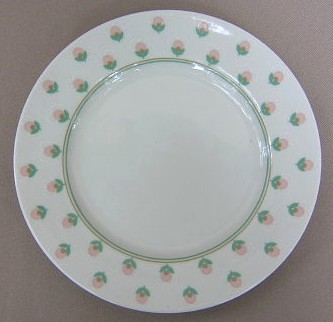Make sure your browser can show photos and reload this page to see Fitz & Floyd China Chantilly Salad plate 7 1/2