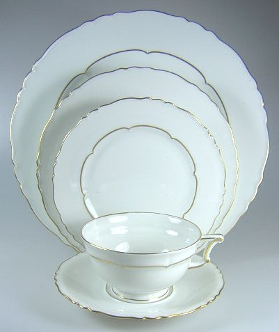 Make sure your browser can show photos and reload this page to see Haviland China Sheraton Place setting 5-piece  (pre-owned)