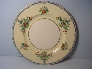 Make sure your browser can show photos and reload this page to see Lenox China Chippendale L306a Salad plate