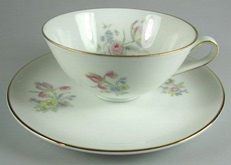 Make sure your browser can show photos and reload this page to see Hutschenreuther China Augsburg 8711 Cup and saucer set  2
