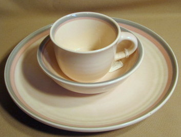 Make sure your browser can show photos and reload this page to see Pfaltzgraff China Aura Place setting 3-piece dinner (has tiny chip on back of rim), cereal, mug