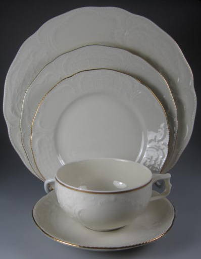 Make sure your browser can show photos and reload this page to see Rosenthal - Continental China Gold Band - Sansoucci Ivory Place setting 5-piece  9 3/4