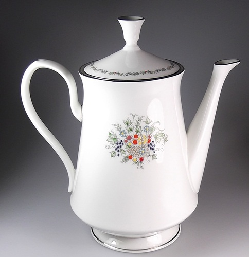Make sure your browser can show photos and reload this page to see Oxford (Div Of Lenox) China Carlyle Coffeepot and lid 7 1/2