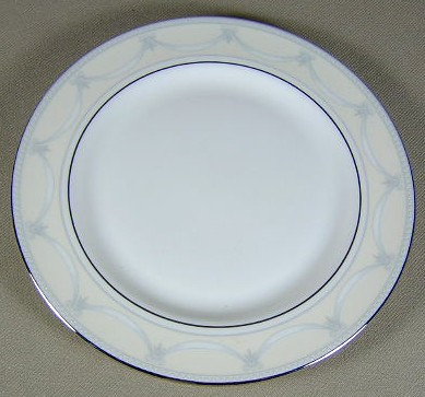 Make sure your browser can show photos and reload this page to see Gorham China Villa Bread and butter plate 6 3/8