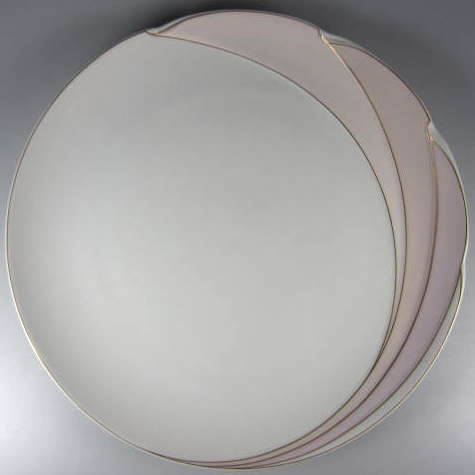 Make sure your browser can show photos and reload this page to see Hutschenreuther China En Vogue Dinner plate (gently used) 10 5/8