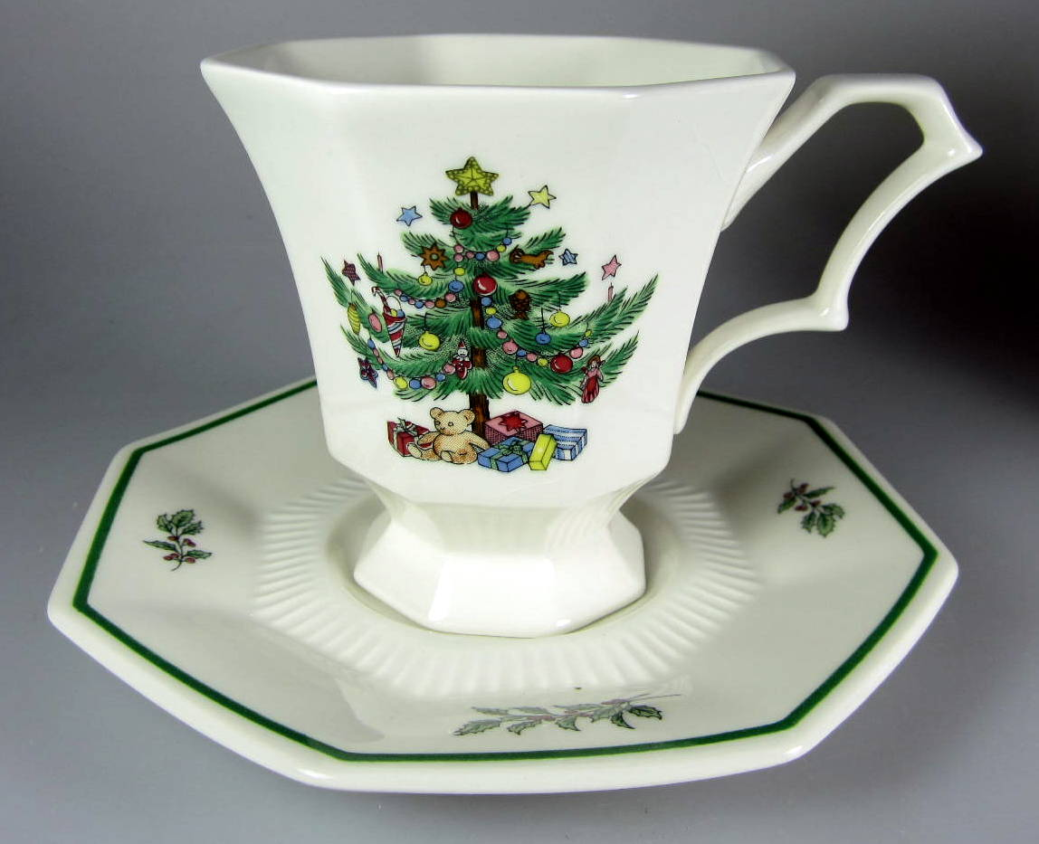 Make sure your browser can show photos and reload this page to see Nikko Dinnerware Christmastime 259 Cup and saucer set