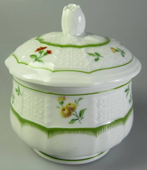 Make sure your browser can show photos and reload this page to see Heinrich / H & C China Chambord Sugar bowl with lid