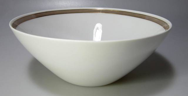 Make sure your browser can show photos and reload this page to see Rosenthal - Continental China Taupe Band Round veg, large  9 1/8