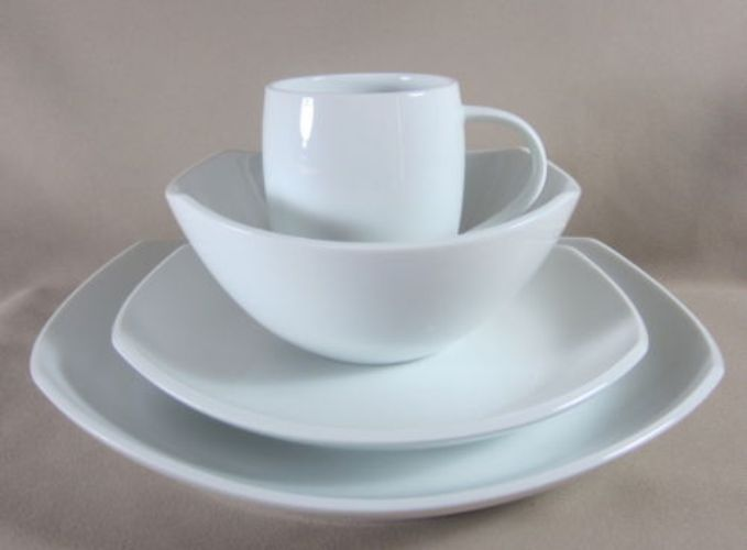Make sure your browser can show photos and reload this page to see Dansk China Classic Fjord Place setting 4-piece NEW IN BOX