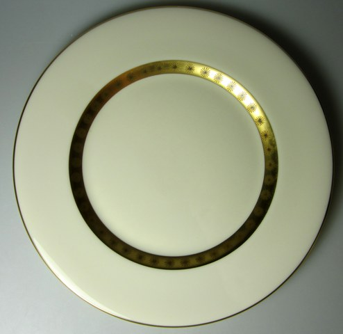 Make sure your browser can show photos and reload this page to see Castleton - USA China Golden Classic Dinner plate 10 5/8