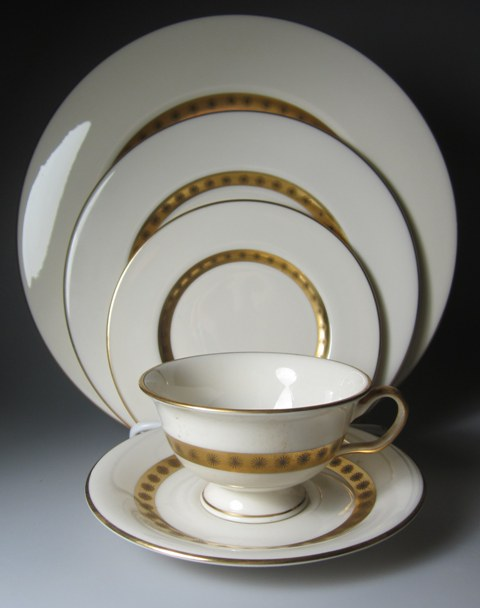 Make sure your browser can show photos and reload this page to see Castleton - USA China Golden Classic Place setting 5-piece