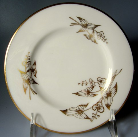 Make sure your browser can show photos and reload this page to see Lenox China Arrowhead T422 Bread and butter plate 6 1/4
