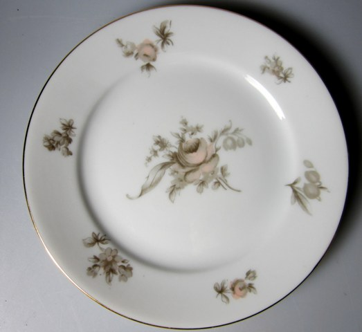 Make sure your browser can show photos and reload this page to see Rosenthal - Continental China Colonial Rose Bread and butter plate 6 1/8
