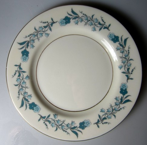 Make sure your browser can show photos and reload this page to see Haviland China Clinton Bread and butter plate 6 3/8