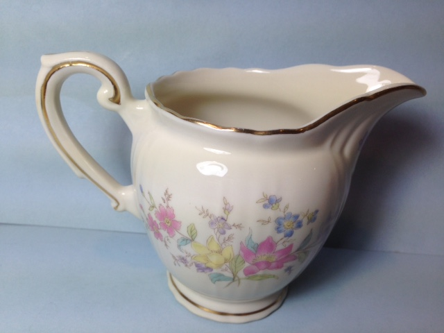 Make sure your browser can show photos and reload this page to see Syracuse China Briarcliff Creamer