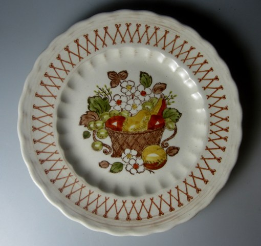 Make sure your browser can show photos and reload this page to see Metlox-Poppytrail-Vernon Pottery Fruit Basket Salad plate 7 1/2