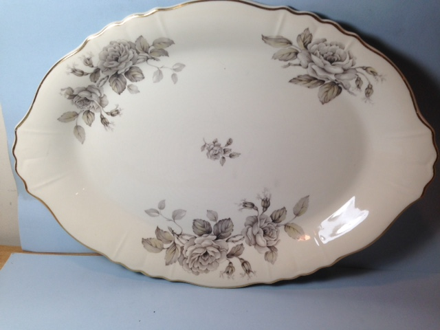 Make sure your browser can show photos and reload this page to see Syracuse China Graymont Platter, large --16