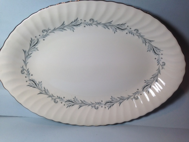 Make sure your browser can show photos and reload this page to see Syracuse China Sonata Platter, medium --14