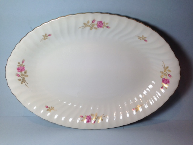 Make sure your browser can show photos and reload this page to see Syracuse China Courtship Platter, medium --14