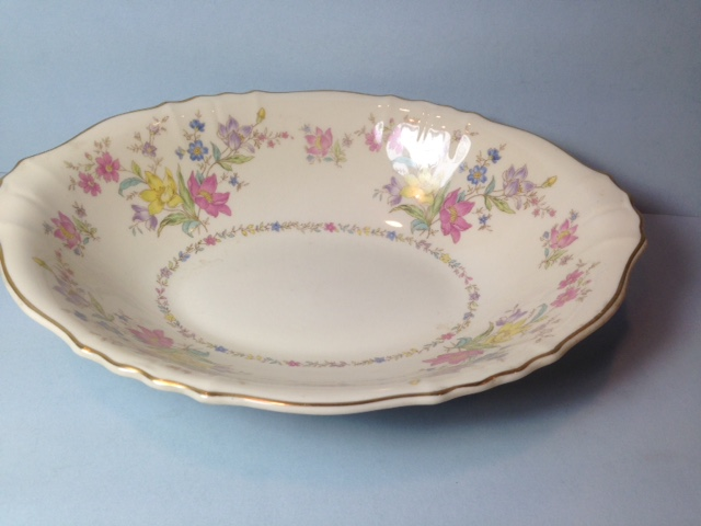 Make sure your browser can show photos and reload this page to see Syracuse China Briarcliff Oval vegetable --9 1/4