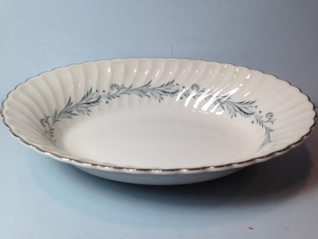 Make sure your browser can show photos and reload this page to see Syracuse China Sonata Oval vegetable, large --10