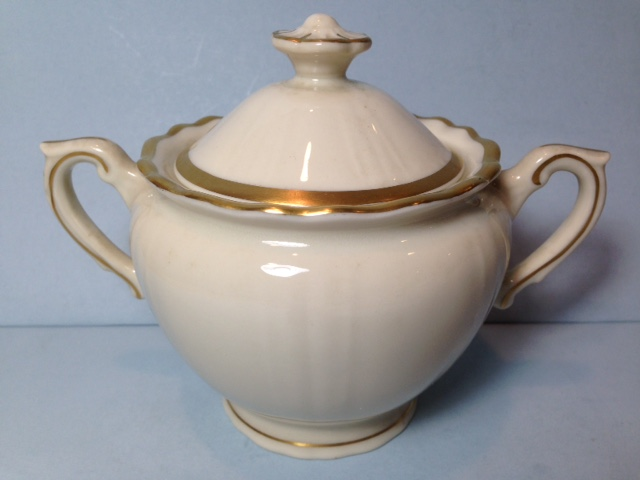 Make sure your browser can show photos and reload this page to see Syracuse China Brantley Sugar bowl with lid