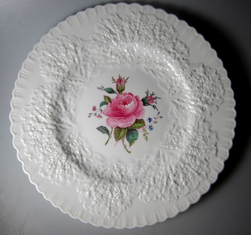 Make sure your browser can show photos and reload this page to see Spode China Bridal Rose Y2862 Dinner plate  10 1/2