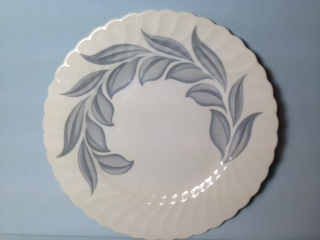 Make sure your browser can show photos and reload this page to see Syracuse China Dawn Dinner plate --minor pattern wear