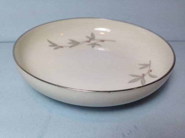 Make sure your browser can show photos and reload this page to see Syracuse China Harmony Ashtray --4 1/2