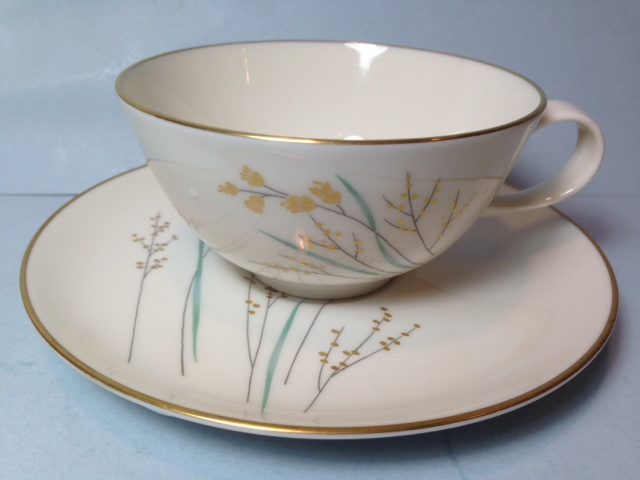 Make sure your browser can show photos and reload this page to see Syracuse China Golden Seeds Cup and saucer set