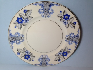 Make sure your browser can show photos and reload this page to see Syracuse China Lady Mary Dinner plate