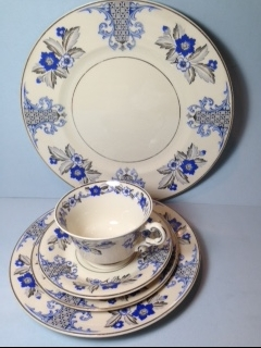 Make sure your browser can show photos and reload this page to see Syracuse China Lady Mary Place setting 5-piece  --cup,saucer,dinner,salad,B&B