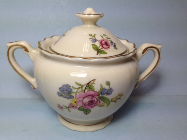 Make sure your browser can show photos and reload this page to see Syracuse China Portland Sugar bowl with lid