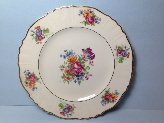 Make sure your browser can show photos and reload this page to see Syracuse China Santa Rosa Dinner plate --10 1/2