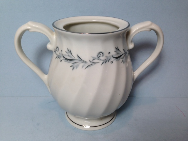 Make sure your browser can show photos and reload this page to see Syracuse China Sonata Sugar bowl (no lid)