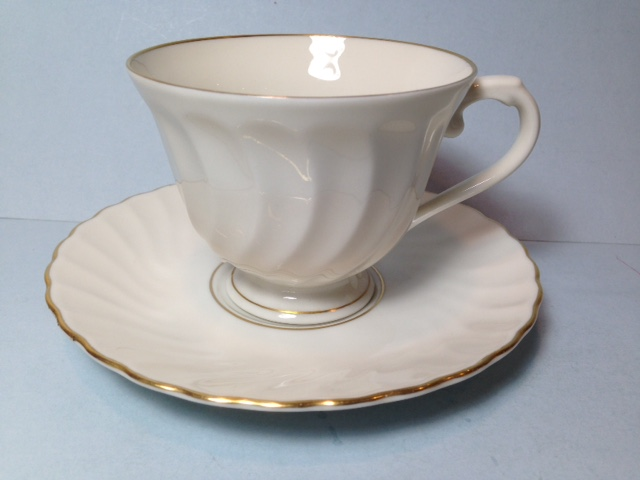 Make sure your browser can show photos and reload this page to see Syracuse China Debonair Cup and saucer set